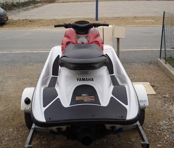 yamaha gp 800 r yamaha bateaux a moteur jetski scooter. Black Bedroom Furniture Sets. Home Design Ideas
