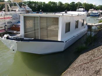 cochedo chantier de nantes bateaux a moteur fluvial. Black Bedroom Furniture Sets. Home Design Ideas